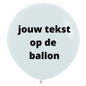 tekst op ballon